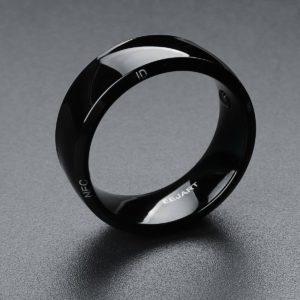 bague connectée couleur noir technologie NFC
